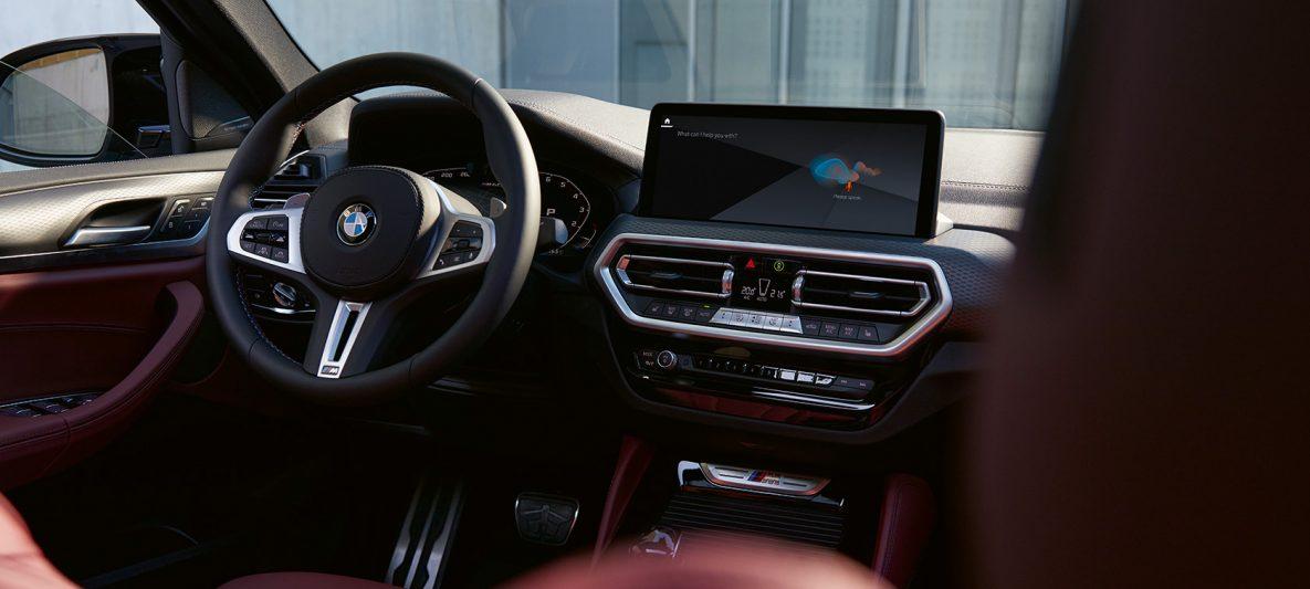 BMW X4 G02 Innenraum Leder Tacorarot 2021