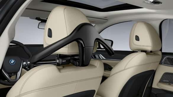 BMW Kleiderbügel für Travel & Comfort System BMW i4 M50 G26 2021